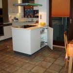 047_Kochplatz_mit_TipOn_Tuerle